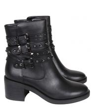 - GUESS COLLEEN Round toe ankle boots